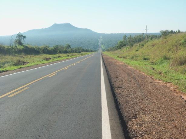 Saindo do Parque Estadual Morro do Diabo, depois de Teodoro Sampaio, SP.